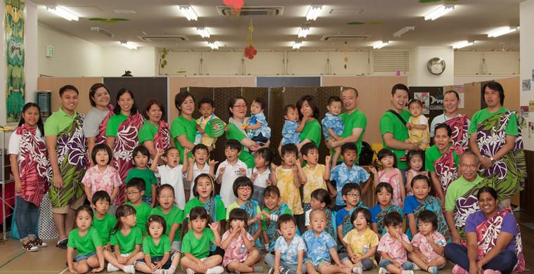 Group-Photo-before-Yasaka-Jinjya-performance_1000px